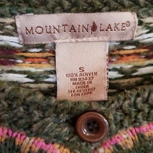 Mountain Lake Sweaters - Moutain lakes Button up sweater